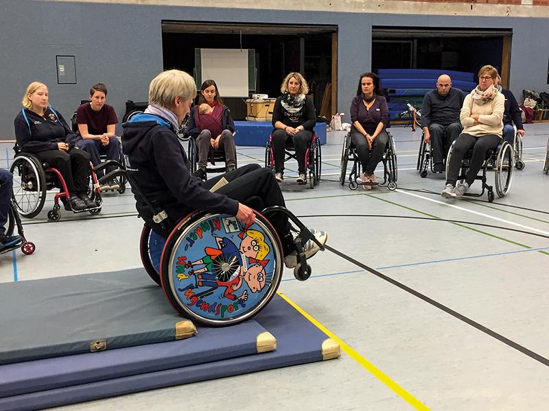 Fortbildung für Übungsleiter von Kinder- und Jugendrollstuhlsportgruppen